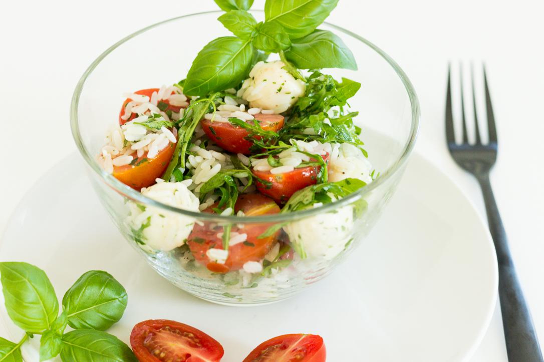 Reissalat mit Mozzarella