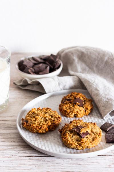 Cookies mit Haslenüssen und Chocolate Chips
