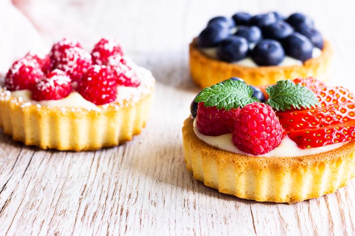 Fruchtige Beeren-Törtchen