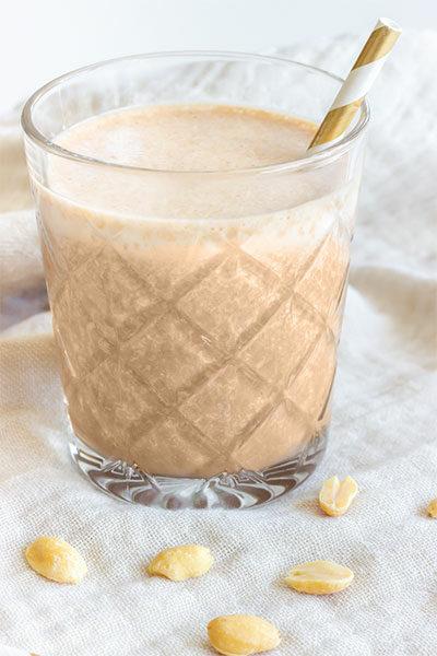 Smoothie mit Erdnussbutter und Schokolade